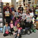 Spendenübergabe – Kinder aus dem ZaP in der Buchhandlung Bräunling